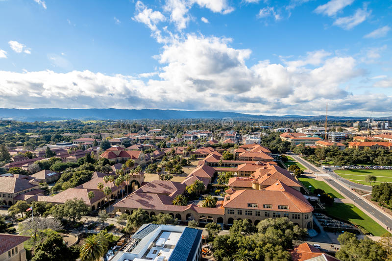 Widok z lotu ptaka uniwersyteta stanforda kampus - Palo Alto, Kalifornia, usa obraz royalty free