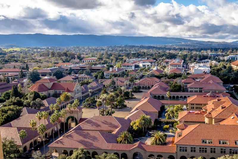 Widok z lotu ptaka uniwersyteta stanforda kampus - Palo Alto, Kalifornia, usa zdjęcie stock