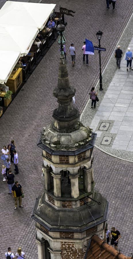 Widok z lotu ptaka urzędu miasta wierza z ulicą i rynkiem Stary miasteczko w Toruńskim obrazy royalty free