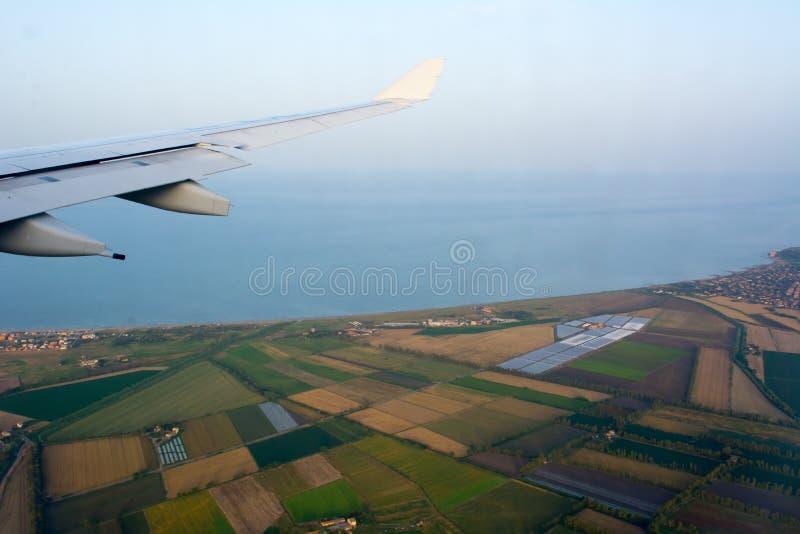 Widok Z Lotu Ptaka Włoski plantacja krajobraz w Tuscany brać od samolotu w locie na plamy tle zdjęcia stock