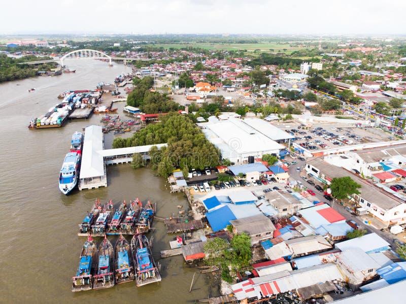 Widok z lotu ptaka w rybak wiosce zdjęcia royalty free