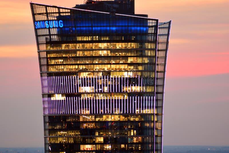 Widok z lotu ptaka Warszawa Wierzchołek wysoka budynku biurowego Warszawa iglica obrazy stock