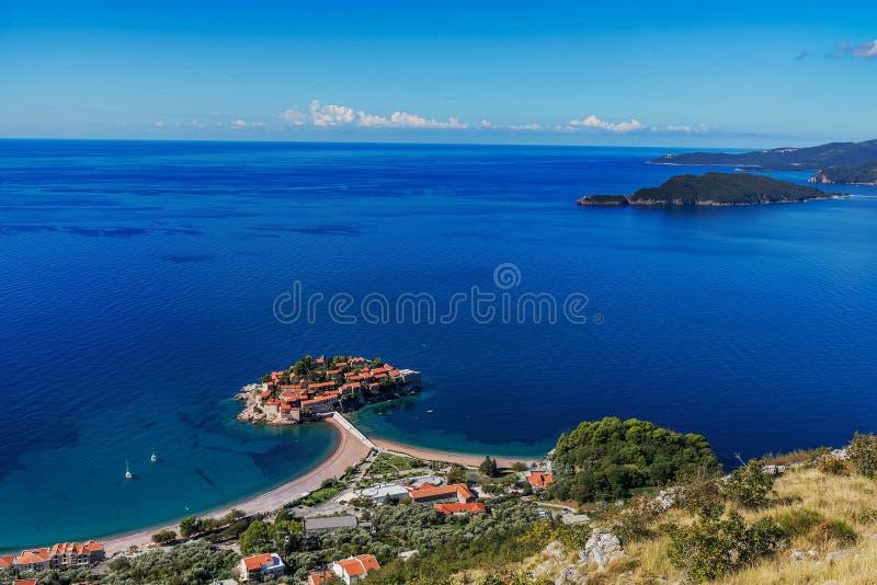 Widok z lotu ptaka wyspa Sveti Stefan, Montenegro obraz royalty free