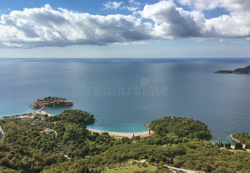 Widok z lotu ptaka wyspa Sveti Stefan, Montenegro zdjęcia stock