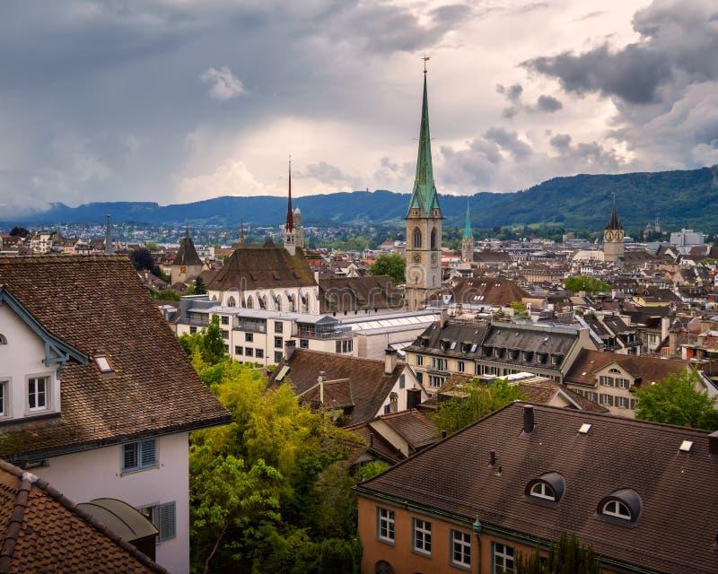 Widok Z Lotu Ptaka Zurich linia horyzontu od Uniwersyteckiego punktu widzenia, Zur zdjęcie stock