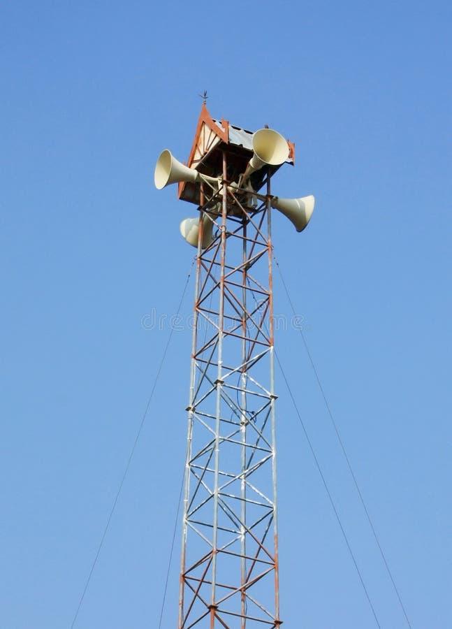 Widok z megafonem w niebieskiego nieba tle fotografia stock