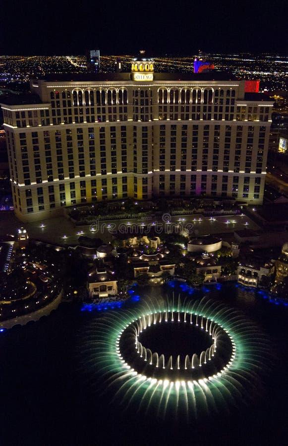 Widok z wierzchu Bellagio hotelu przy nocą obrazy stock
