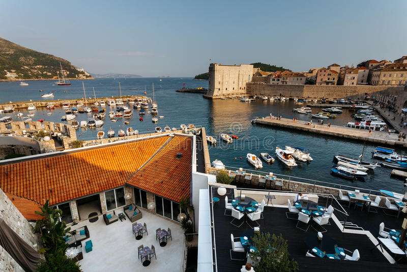 Widok z wierzchu góry Srdj na Revelin fortecy, miasta schronienia i fortu St John w fortecy w Dubrovnik, Chorwacja fotografia stock