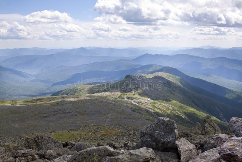 Widok z wierzchu Mt. Waszyngton z Appalachian śladem prowadzi up zdjęcia royalty free