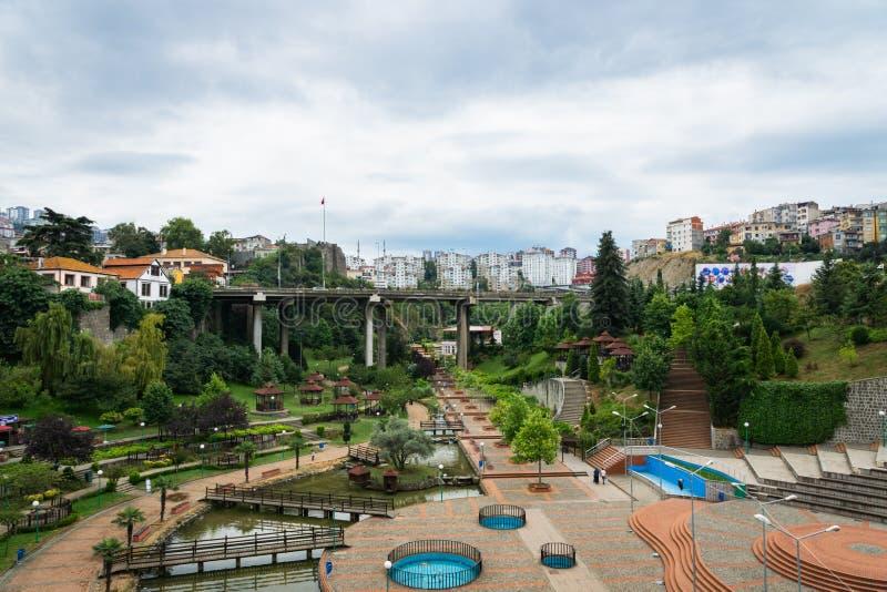 Widok Zagnos doliny & mosta park w Trabzon centrum miasta, Turcja zdjęcia stock