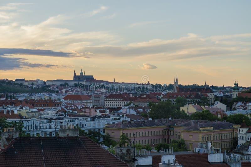 Widok zamku w Pradze z Zamku Wyszehradzkiego w Pradze, Czechy zdjęcia stock
