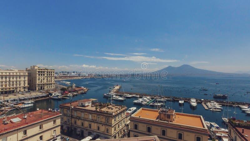 Widok zatoka Naples od Naples, Włochy zdjęcia royalty free
