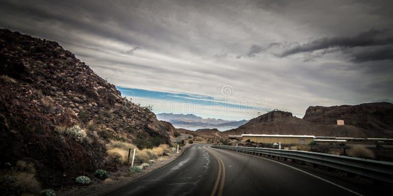 Widoki przy jeziornym dw?jniakiem Nevada blisko hoover tamy zdjęcia stock