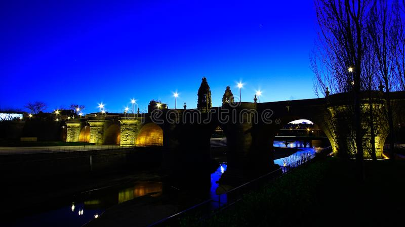 Widoki Toledo most, Puente de Toledo w hiszpańszczyznach, nad Manzanares rzeką, Madryt, Hiszpania zdjęcie royalty free