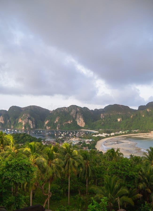 Download Widoku punkt Phi wyspa zdjęcie stock. Obraz złożonej z azjata - 57653342