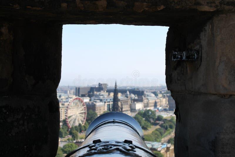 Widoku puszek działo baryłka od Edynburg kasztelu fotografia stock