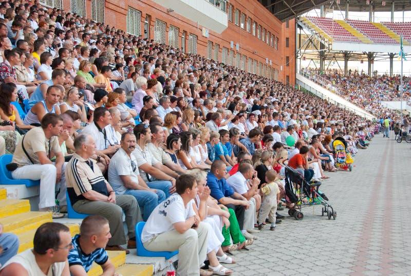 widowni futbolowego dopasowania stojaki zdjęcie stock