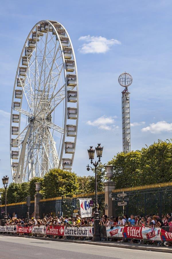 Download Widzowie Le Tour De France W Paryż Obraz Stock Editorial - Obraz: 31991574