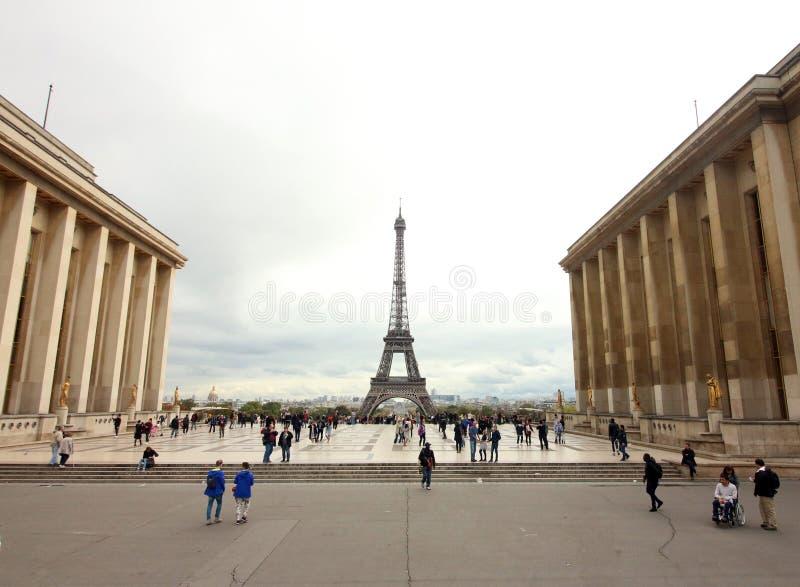 Wieża Eifla widzieć przez Palais De Chaillot, Paryski Francja fotografia stock