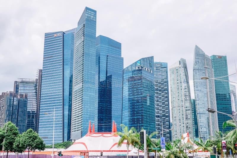 Wieżowowie w Singapur reprezentują nowożytnego dobrobyt jako centrum gospodarka zdjęcia stock