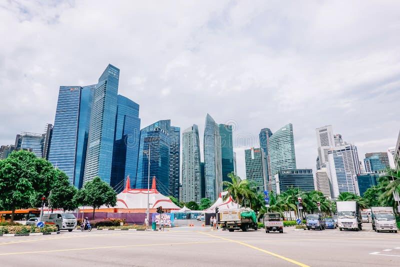 Wieżowowie w Singapur reprezentują nowożytnego dobrobyt jako centrum gospodarka fotografia stock