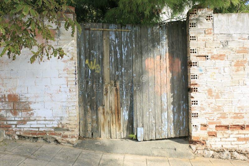 Wieśniak stary drewniany drzwi obrazy royalty free