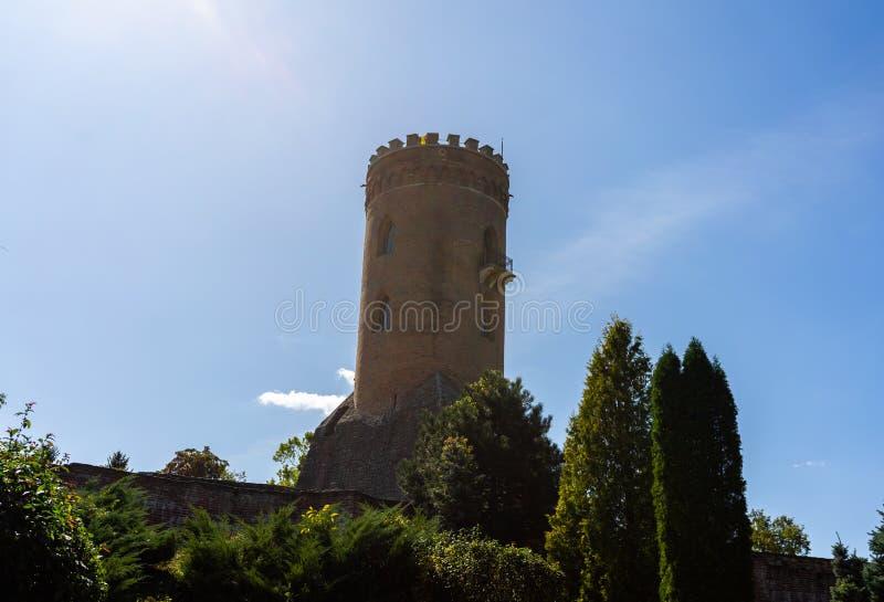 Wieża Chindia Turnul Chindiei i ruiny średniowiecznej starej fortecy w Targoviste, Rumunia zdjęcia stock