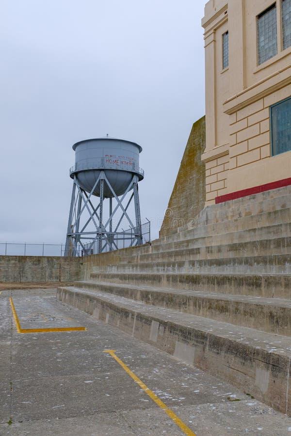 Wieża ciśnień przy Alcatraz wyspą fotografia stock