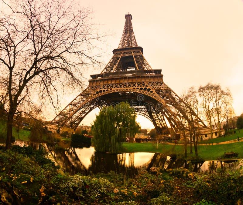 Download Wieża Eifla Przy Wschodem Słońca, Paryż. Obraz Stock - Obraz złożonej z światło, francuz: 28951317