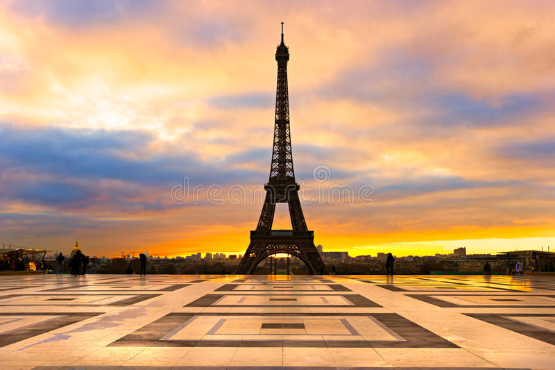 Download Wieża Eifla Przy Wschodem Słońca, Paryż. Obraz Stock - Obraz złożonej z kapitał, francja: 28951473