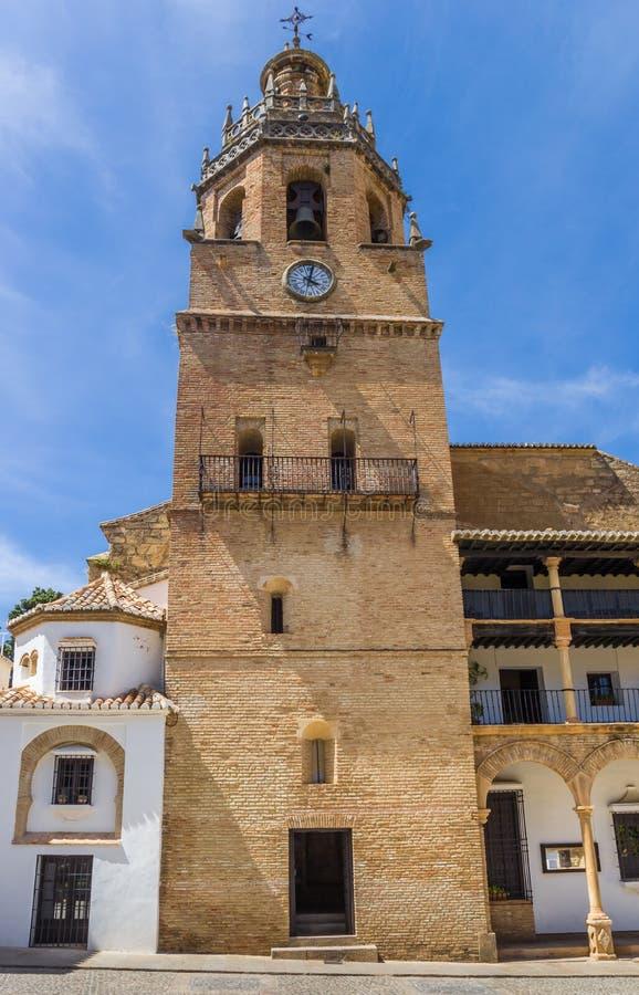 Wieża historycznego kościoła Santa Maria La Mayor w Rondzie zdjęcia royalty free