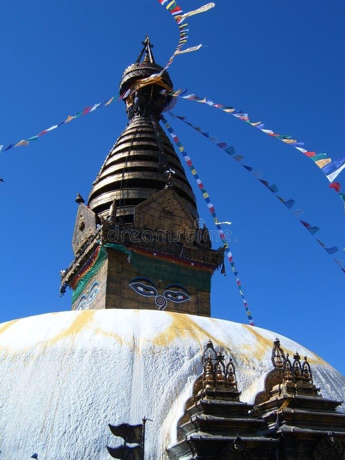 Wieża i dach stupy Swayambhunath w Katmandu zdjęcie royalty free