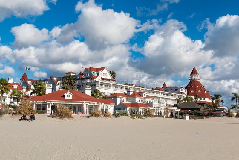 Wieżyczka i rewolucjonistki dekarstwo Historyczny Hotel Del Coronado obrazy stock