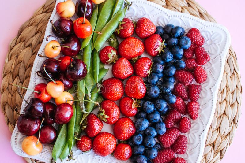 ?wie?e lato owoc, jagody i zdjęcie royalty free