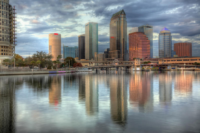 wieczór Florida opóźniona linia horyzontu Tampa obrazy royalty free