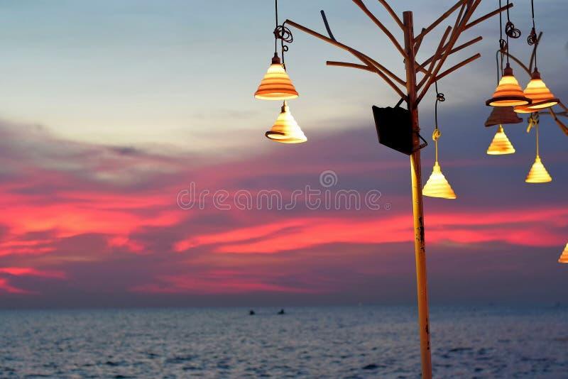Download Wieczór morze zdjęcie stock. Obraz złożonej z seafood - 57661862