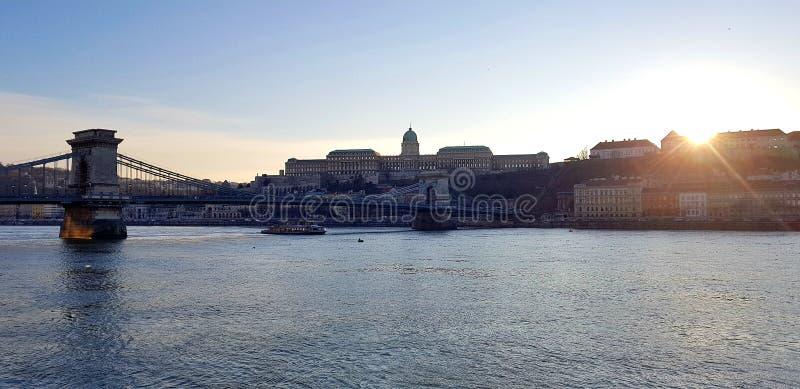 Wieczór nad Danube rzeką w Budapest zdjęcie stock