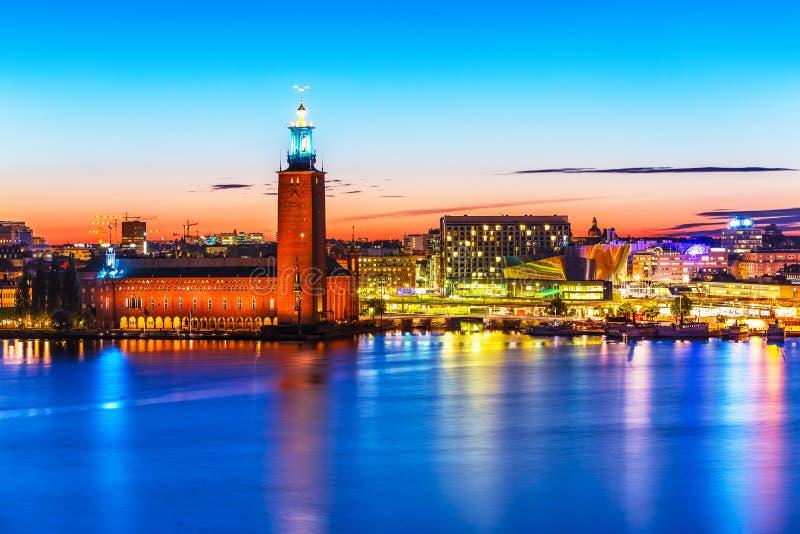 Wieczór sceneria urząd miasta w Sztokholm, Szwecja fotografia stock