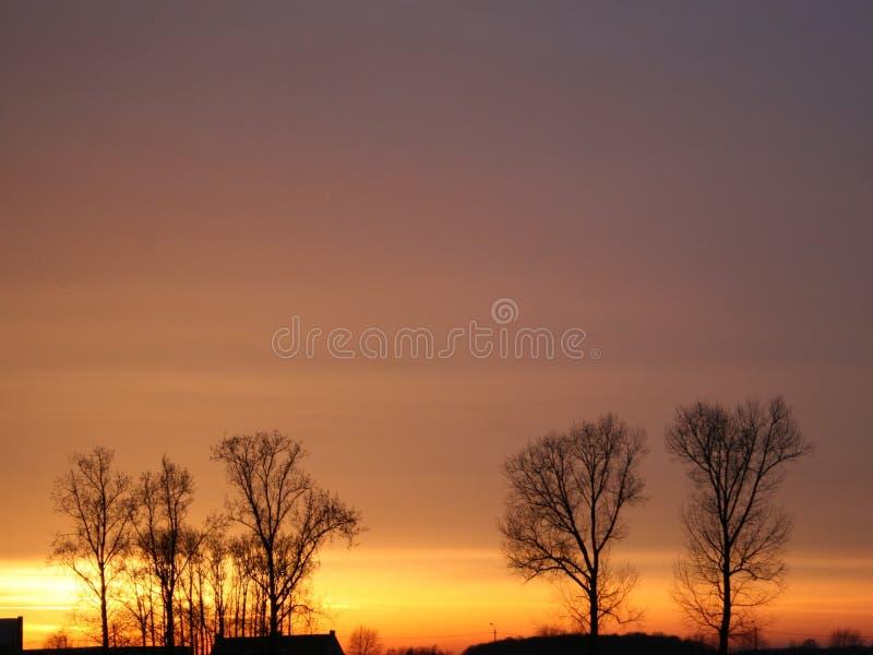 Wieczór sfera, zmierzch z chmurami obraz stock