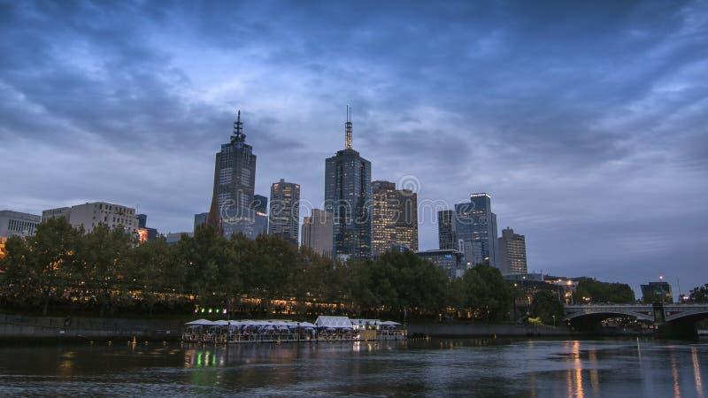 Wieczór stroną Yarra Melbourne Rzeczna jesień 2018 fotografia stock