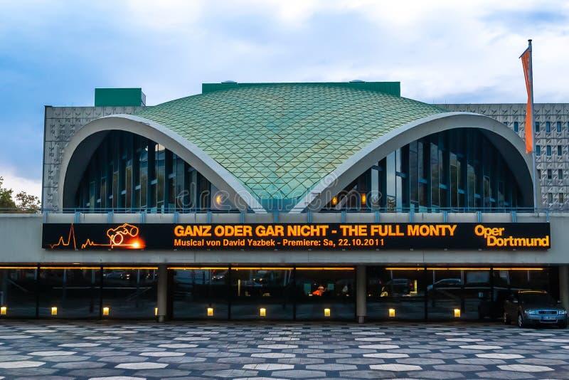 Wieczór widok na Dortmund opery budynku zdjęcie royalty free