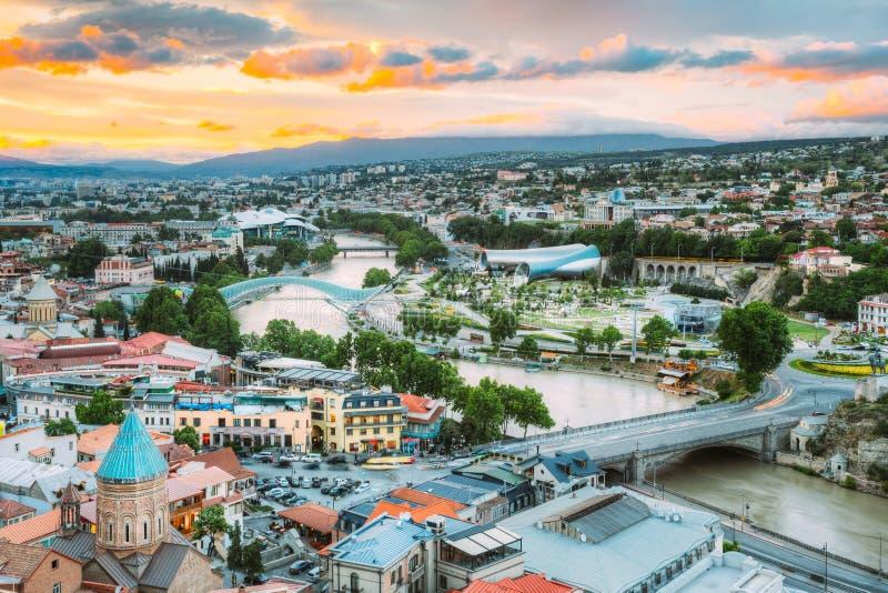 Wieczór widok Tbilisi Przy Kolorowym zmierzchem Gruzja Lata miasto fotografia royalty free