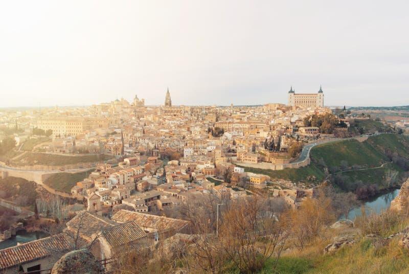 Wieczór widok Toledo stary miasteczko katedra w świetle słonecznym i fotografia royalty free