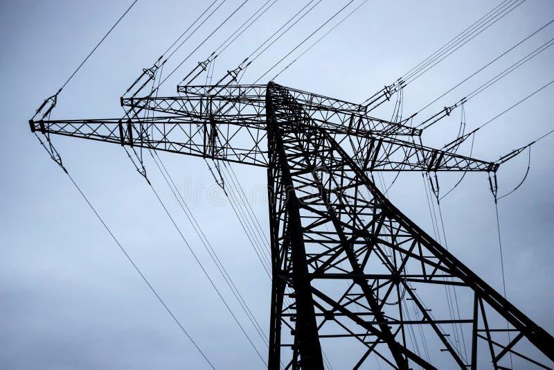 Wieczór zimowy pilon elektryczny zdjęcia stock