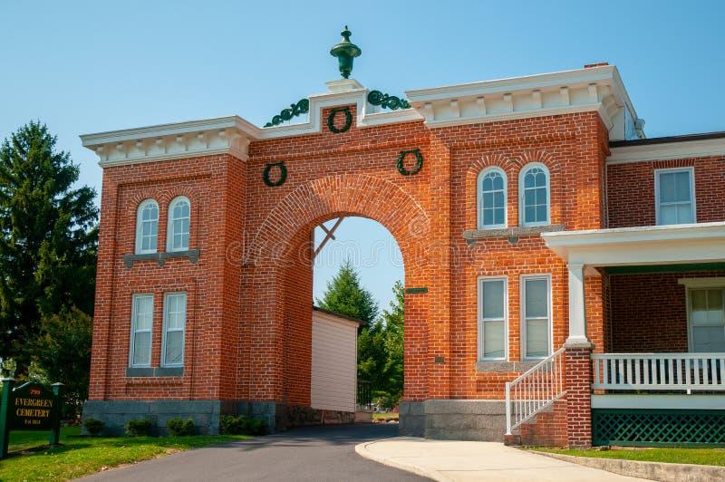 Wiecznozielony Cmentarniany Gatehouse obrazy stock
