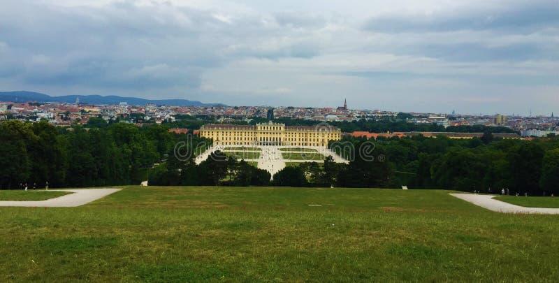 Wiedeń - park przy Schönbrunn pałac - glorieta fotografia royalty free