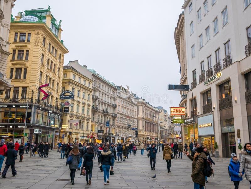 WIEDEŃ, AUSTRIA LUTY 17, 2018: Pejzaży miejskich widoki jeden Europa ` s najwięcej pięknego miasteczka fotografia royalty free