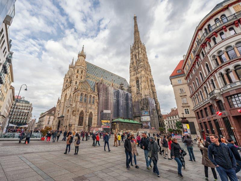 WIEDEŃ AUSTRIA, PAŹDZIERNIK, - 10, 2016: St Stephen ` s katedra, Wiedeń, Austria fotografia stock