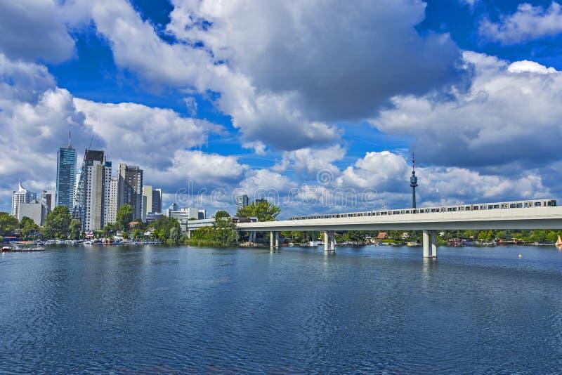Wiedeń Donau miasta linia horyzontu obraz royalty free
