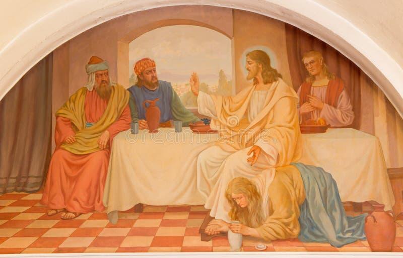 Wiedeń - Maryjny Magdalen obmycie cieki Jezusowa scena Josef Kastner stary od 20 cent w Erloserkirche kościół fotografia royalty free